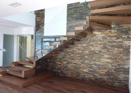 Dlažba na schody interier
